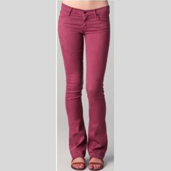 MOTHER Denim - Mother The Runaway Jeans in Pop! Raspberry Size 28